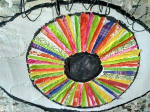 Obra creada con material de reciclaje por las usuarias de EVD Galicia