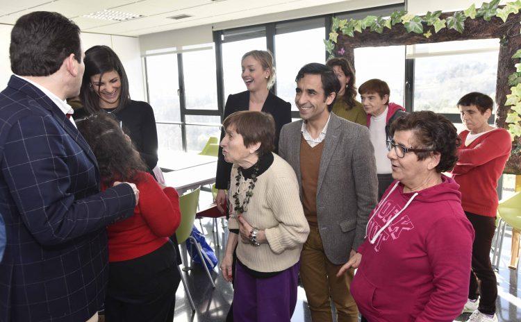 Visita del Conselleiro de Política Social a EVD Galicia