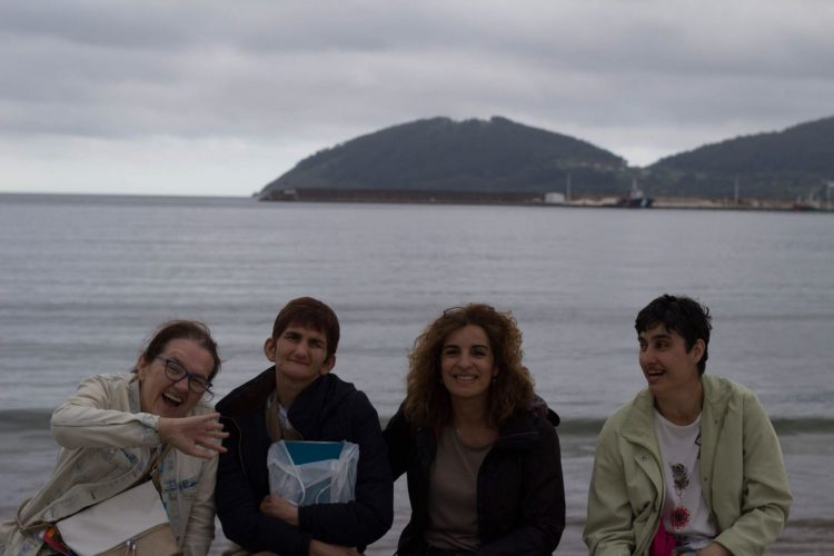 Vacaciones de las usuarias de Esclavas de la Virgen Dolorosa en Viveiro.